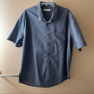 💥3/$15 Gray Plaid Button Down Shirt